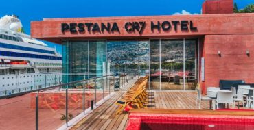 cr7-funchal-madeira-roof-pool-one-large