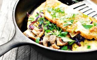 Συνταγή για νόστιμη ομελέτα μόνο με τρία υλικά
