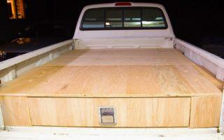 Μπορεί να μοιάζει με ένα απλό φορτηγάκι αλλά αυτό που έβαλε ο ιδιοκτήτης του στην καρότσα είναι ιδιοφυές!