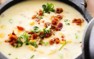 Σούπα λαχανικών με πατάτα, καλαμπόκι και κρέμα γάλακτος