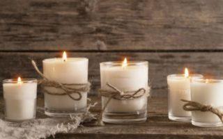 Δείτε το Έξυπνο Κερί που Ανάβει από το Κινητό σας